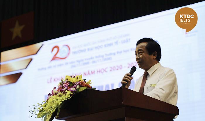 PGS.TS Nguyễn Tiến Dũng - Hiệu trưởng phát biểu tại lễ khai giảng,
