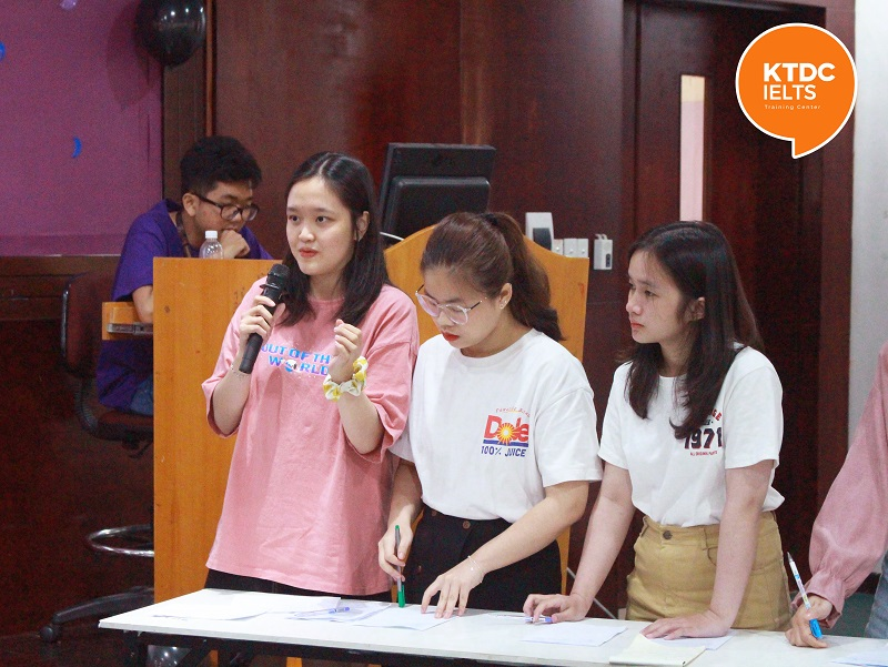 Cuộc thi English Debate Contest 2020